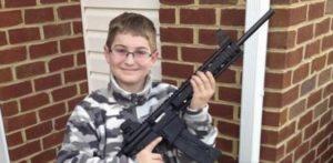 fotkę z bronią
