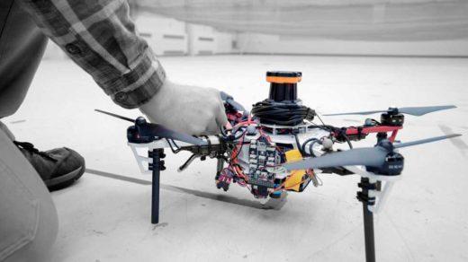 autonomicznych dronów
