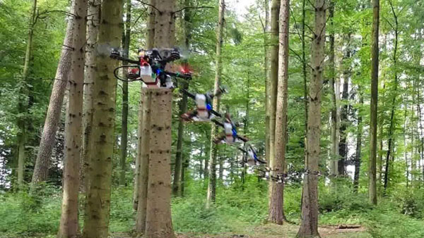 dronów